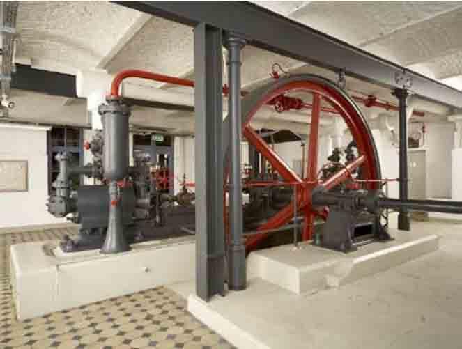 Primer refrigerador comercial del mundo, la máquina de amoniaco frío, para la cerveza.